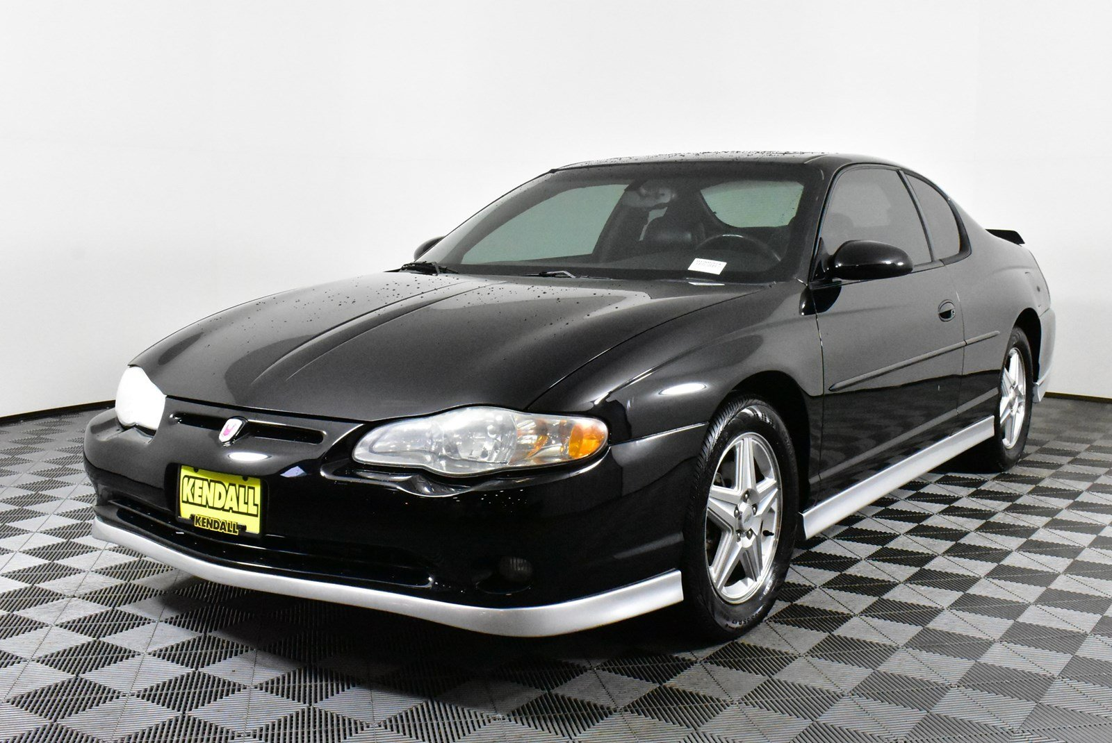 Pre-Owned 2004 Chevrolet Monte Carlo
