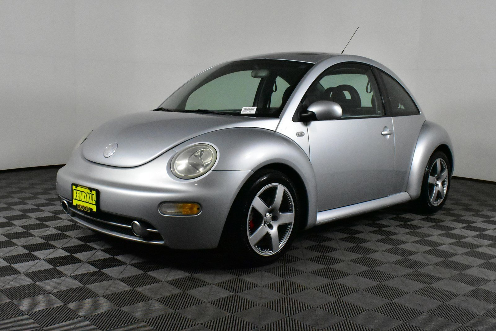 Pre-Owned 2002 Volkswagen New Beetle Sport